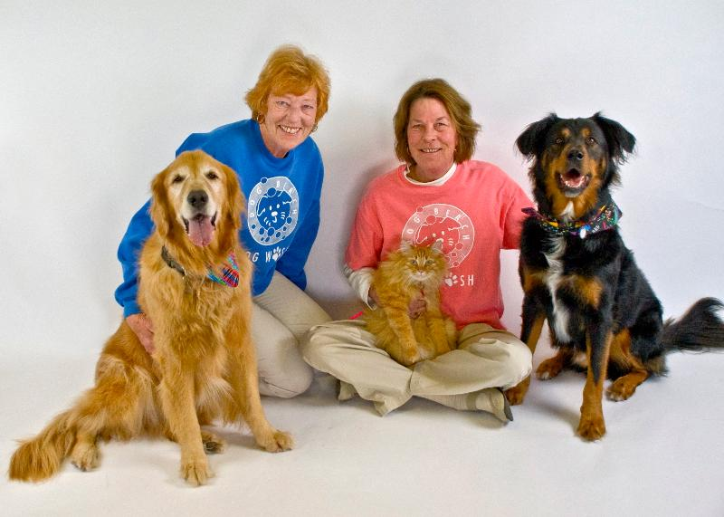 photo of Jane & Mindy and their pets