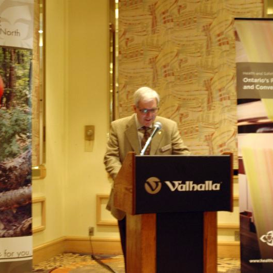 Tom Welton welcomes conference participants
