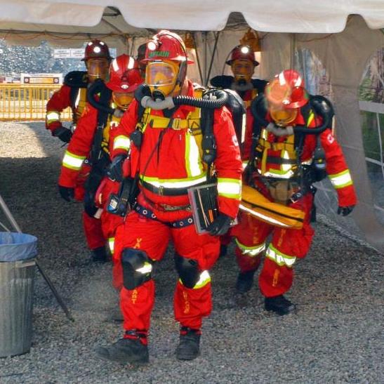 Mine rescue volunteers set off for underground competition scenario