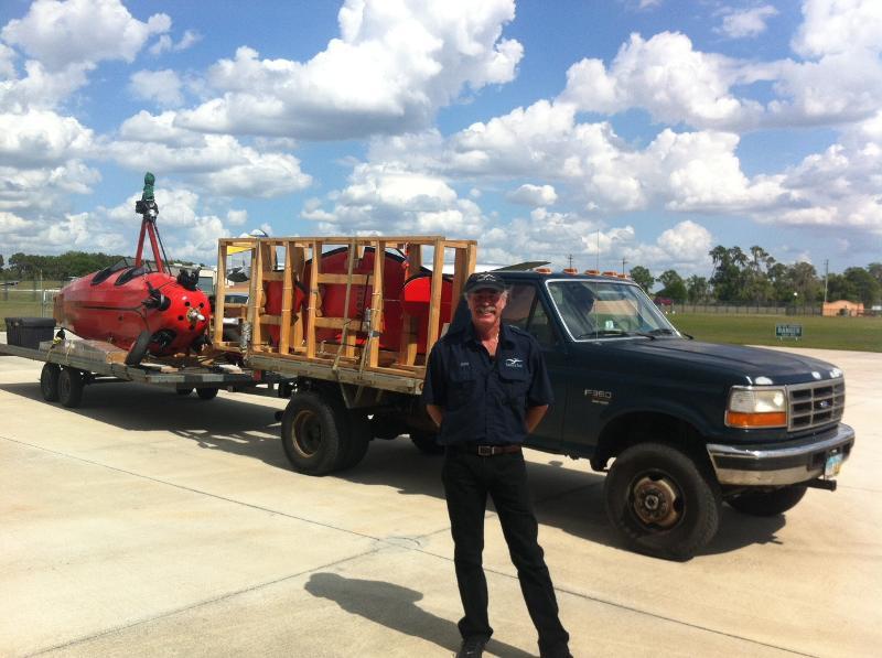 Pitcairn Autogiro arrives on truck (w KW)