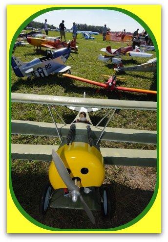 R/C airplanes at RnS