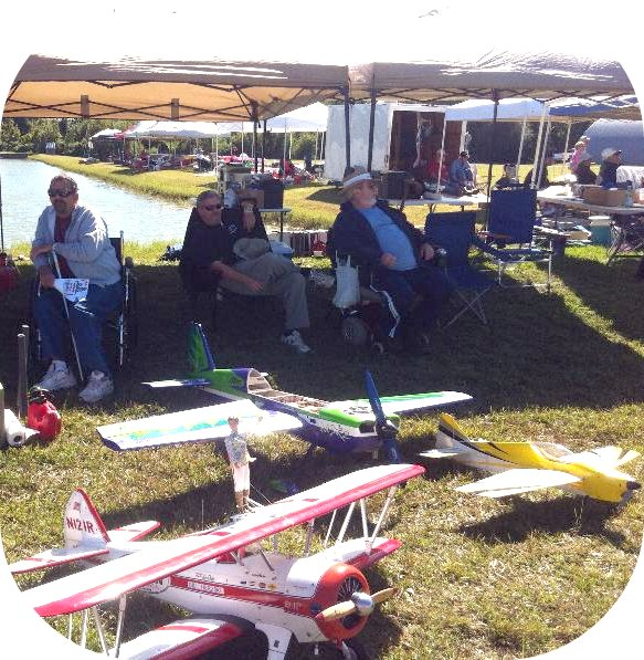 RC aircraft and enthusiasts at 2011 RnS