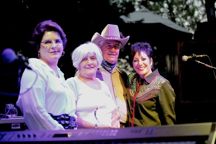 The Lazarex Cancer Foundation awarded the Circle of Life award to longtime supporters Ron & Carol Zenaro