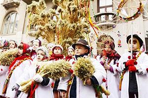 Christmas Around the World _Brazil_ France_ Ukraine_