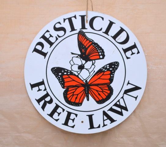 Pesticide Free Lawn Sign