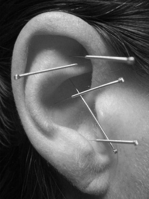 b&w ear