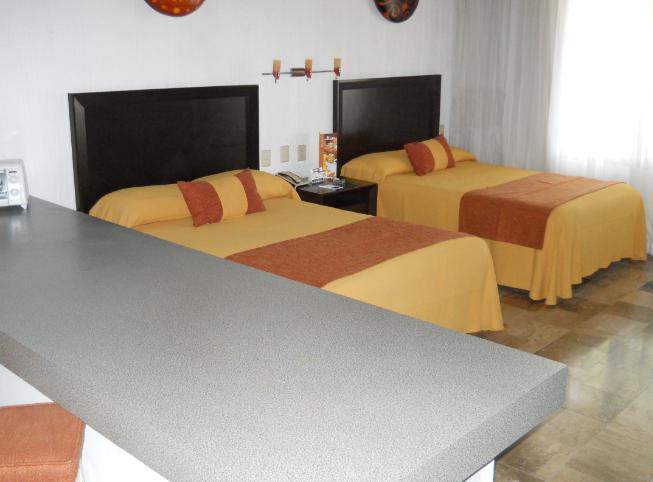 El Cid Granada guestroom
