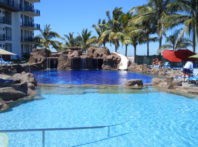 El Cid Marina Pool