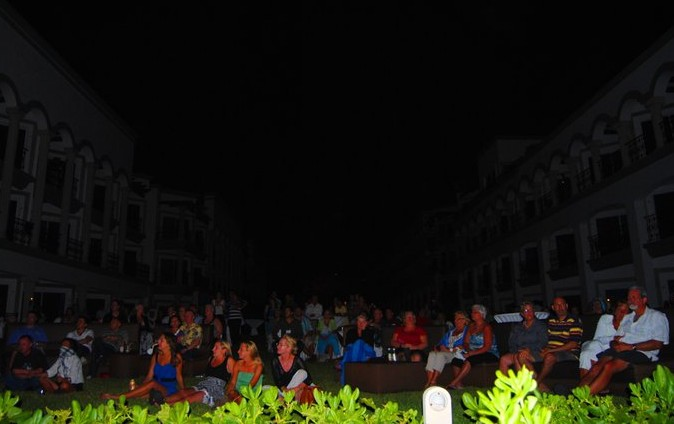 Real Resorts Earth Hour 2011