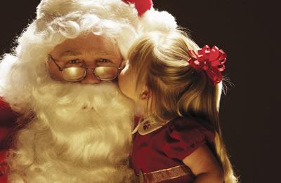 santa-kiss2.jpg