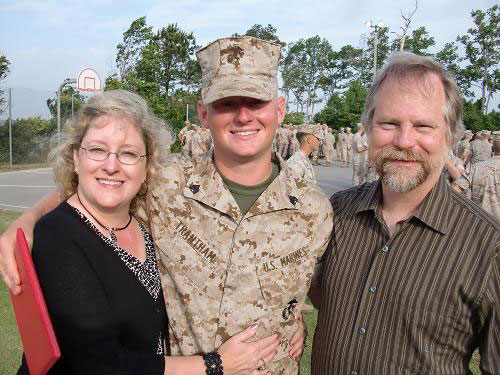 parents with soldier