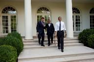 Crowley helps Gates as Obama walks away