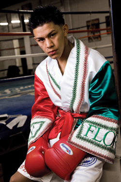 RCM Boxing Prospects: Undefeated Miguel Flores Signs with Luis DeCubas Jr. & Bob Santos