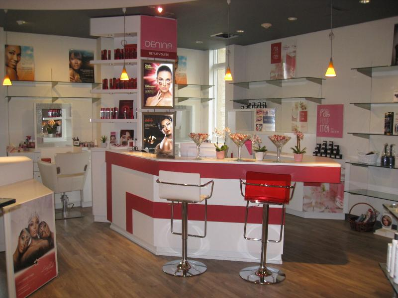http://www.richardscottsalon.com/services/denina-beauty-suite