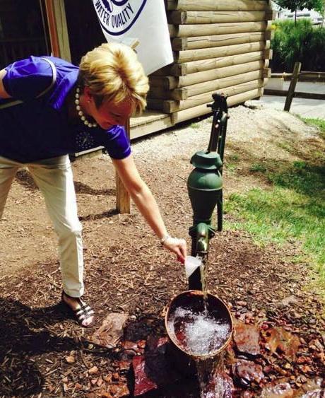 Lt. Governor Sue Ellspermann enjoys fresh well water from PWQ.