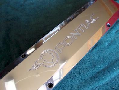 TIP logo with Pontiac - Billet-TEK valve covers Polished