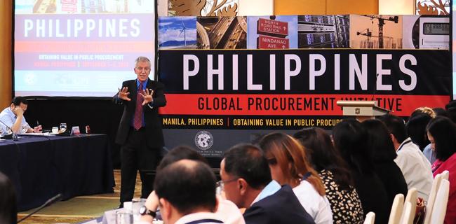 Professor Dan Gordon, from GWU's Government Procurement Law Program, kicks off the GPI workshop in Manila.
