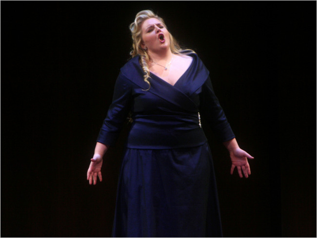 Lori Guilbeau, soprano