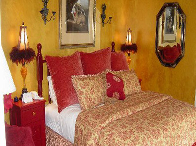 Red Bedroom at le Rosier Country Inn