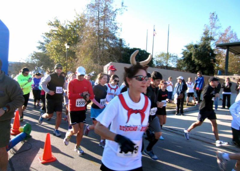 El Festival Epanol de Nueva Iberia Running of the Bulls 5K race