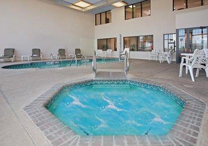 Comfirt Suites New Iberia Jacuzzi pool