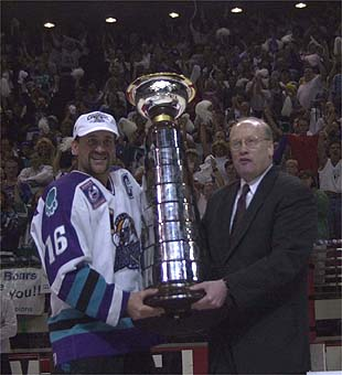 Solar Bears Alum Todd Richards