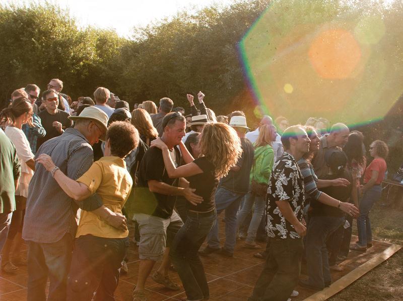dancers sun festival