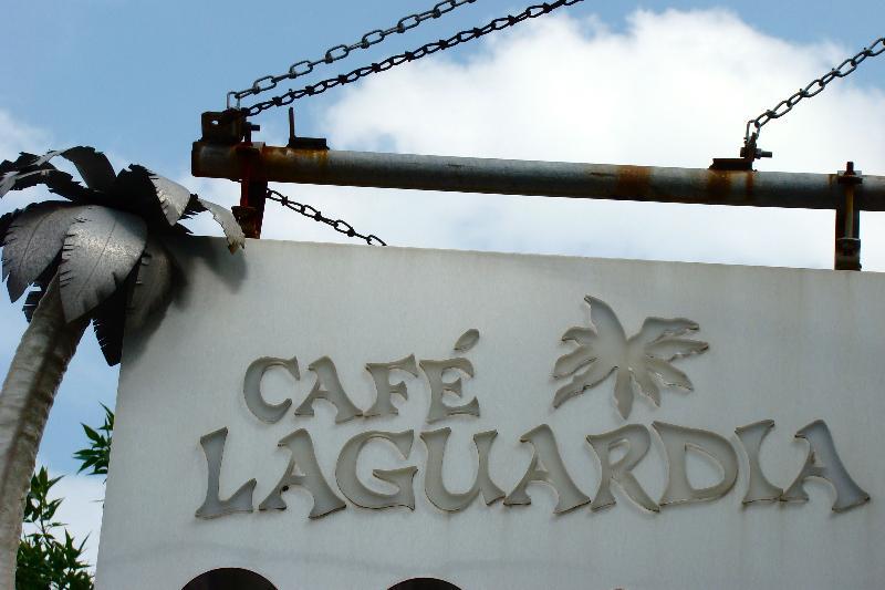 cafe laguardia sign