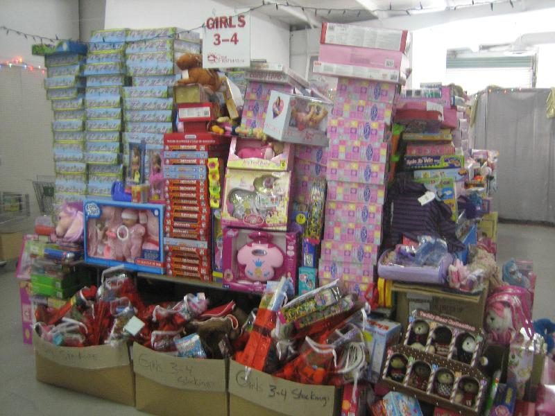Toys_awaiting_distribution
