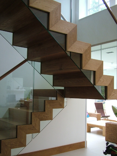Cantilever And Zigzag Stairs