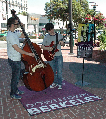 Jazzschool Musicians playing at Musician's Corner