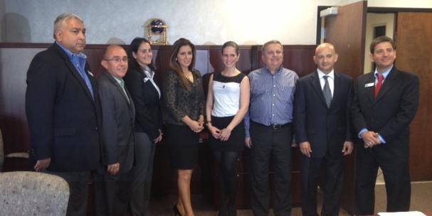 Junta Directiva y Angela Gers Abril 2013
