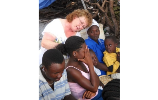 AWB Volunteer Liz Nelson   from Team 2 treating in Haiti