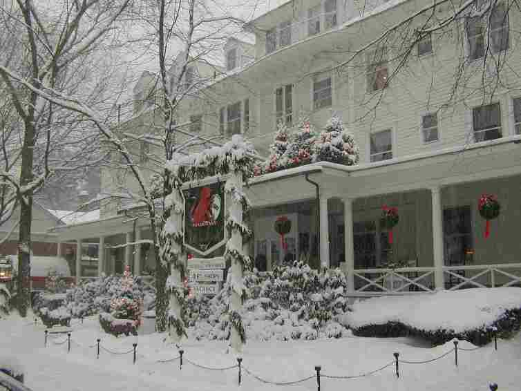 The Red Lion Inn as the Snow Falls...
