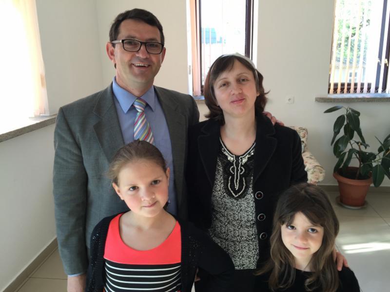 Pastor Costel, Sanda, Estera and Carmen