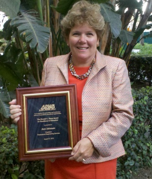 Ann Johnson receives APWA award