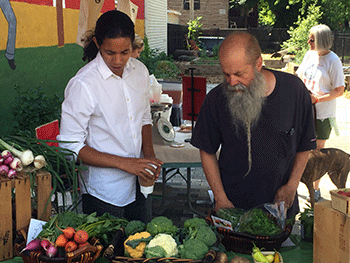 2nd Week of El Conuco and Mural Garden Farmer's Market Marked by Excellent Growth