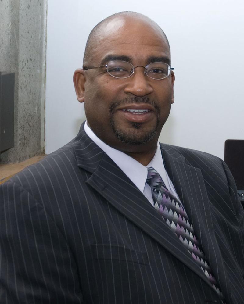 Dr. Vincent Bates