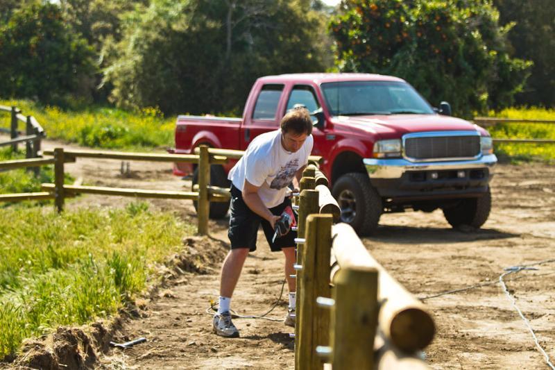 volunteer building fence
