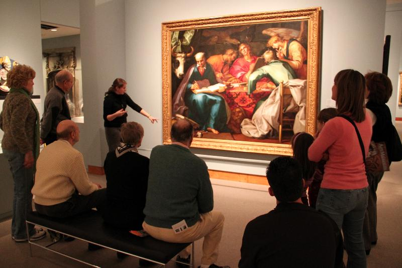 A docent giving a talk. Photo: Laura Lilly.