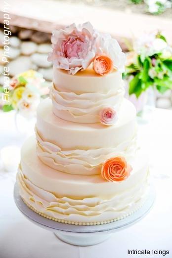 Intircate Icing Wedding cake