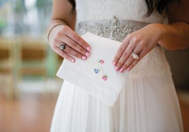 bride w hankercheif