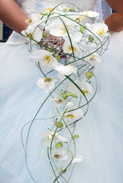 White, Modern Bouquet