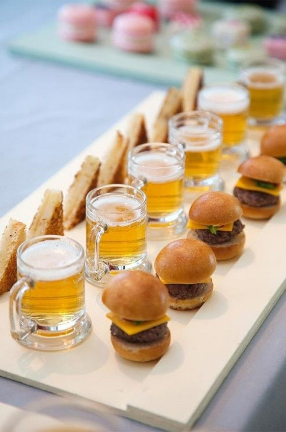 Mini Burgers & Beer
