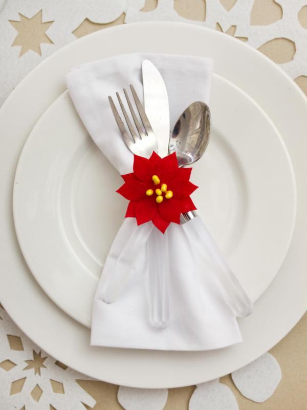 Poinsettia Table Ring