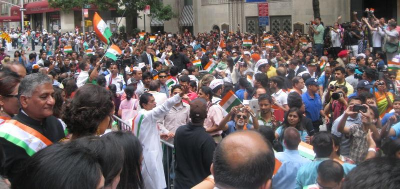Grand Marshal Vidya Balan Greeting Huge Crowd at India Day Parade.8.18.2013