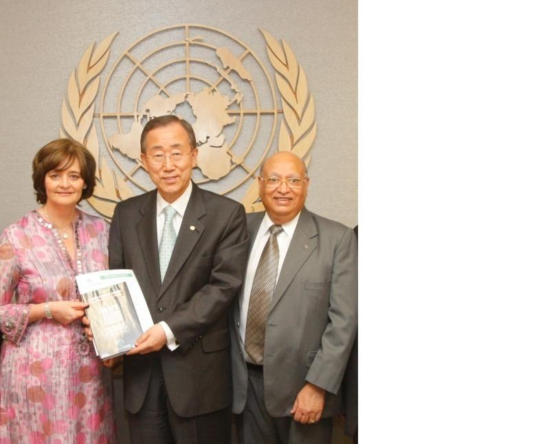 Cherie Blair presenting report on Widows in Crisis to UN Secretary General