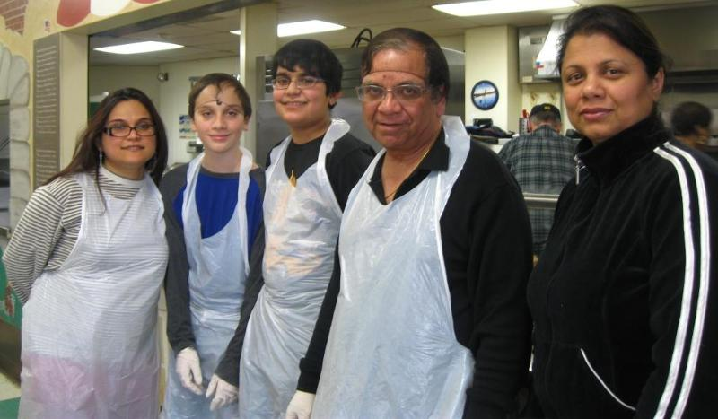 GOPIO-CT Volunteers at the Soup Kitchen