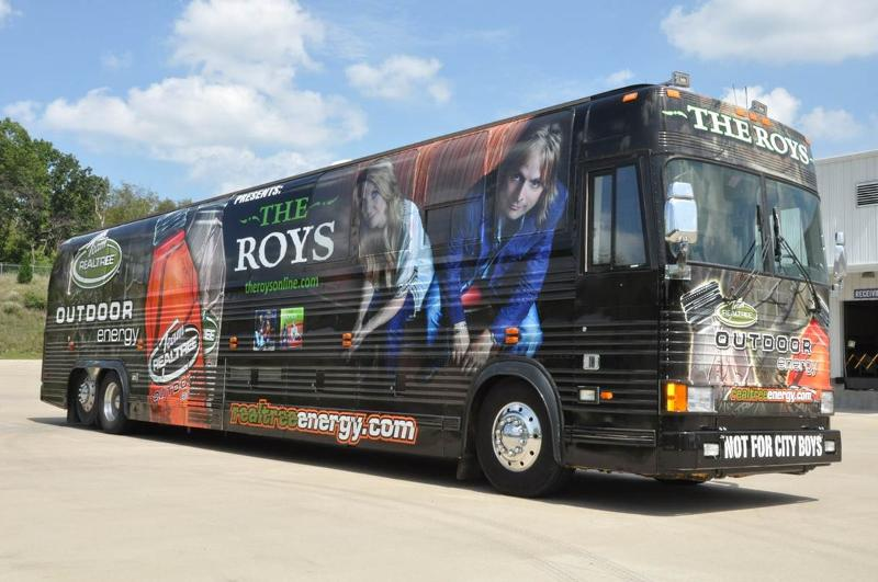 ROYS TROE bus wrap