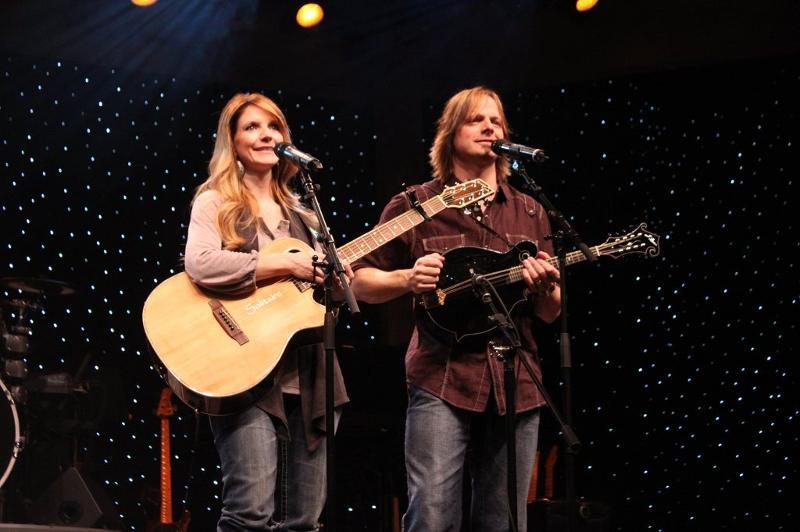 Elaine + Lee Roy - Presleys' Country Jubilee ( Credit  Scott Presley)
